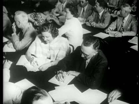 B/W 1949 high angle reporters seated at tables writing at House Committee on UnAmerican Activities trials