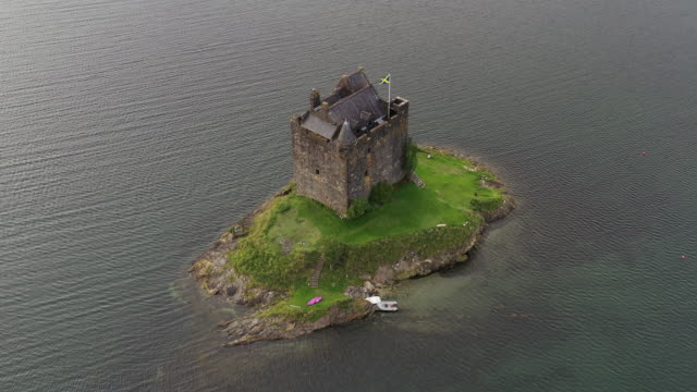 high angle shot showing castle stalker, scottish highlands, united kingdom - fortress stock videos & royalty-free footage