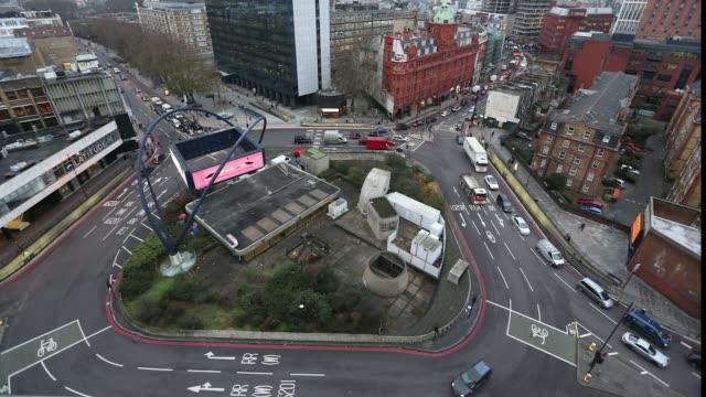 vídeos de stock, filmes e b-roll de london silicon roundabout time lapse - high street