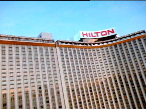 high angle - las vegas hilton stock-videos und b-roll-filmmaterial
