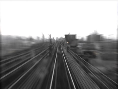 stockvideo's en b-roll-footage met high angle view of a railroad track - uitfaden