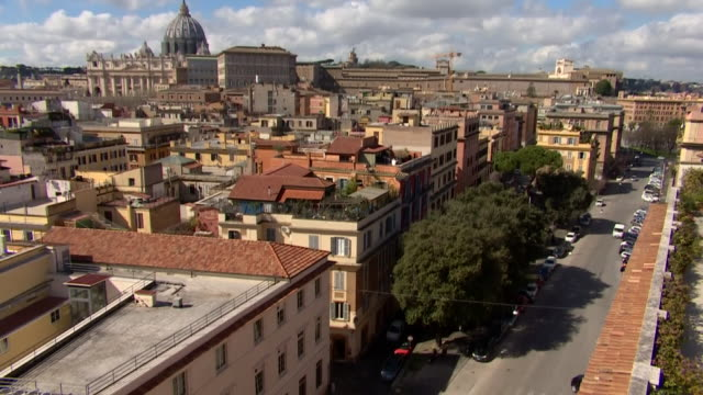 """high angle view of an empty street in rome due to coronavirus lockdown - """"bbc news"""" video stock e b–roll"""