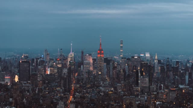 T/L ZI High Angle view of Manhattan Skyline, Dusk to Night Transition