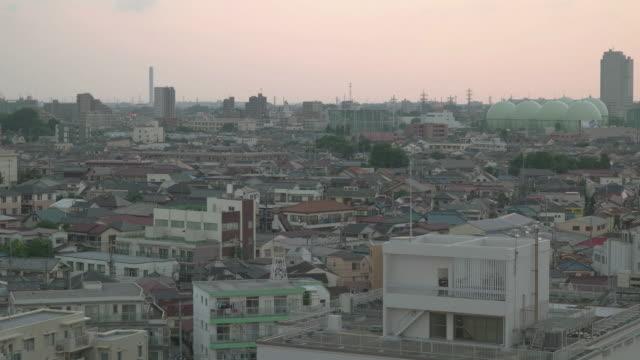 vídeos de stock, filmes e b-roll de 4k, high angle view of residential area in tokyo. japan. - vista da cidade