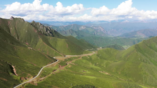 high angle view of the mountains of the tibetan plateau - tibetan plateau stock videos & royalty-free footage
