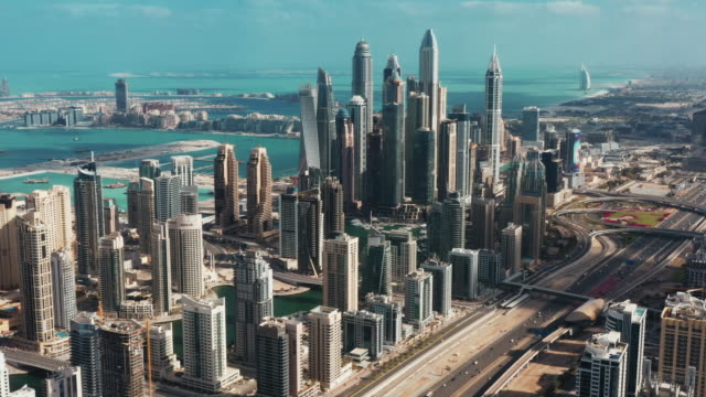 vidéos et rushes de high angle view showing dubai marina, united arab emirates - dubai