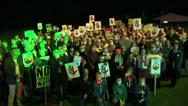 High Court judge upholds injunction against antifracking protests T29101722 / Various of people taking part in protest against the fracking plans of...