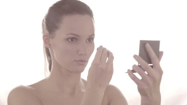 stockvideo's en b-roll-footage met high key natural beauty - high key