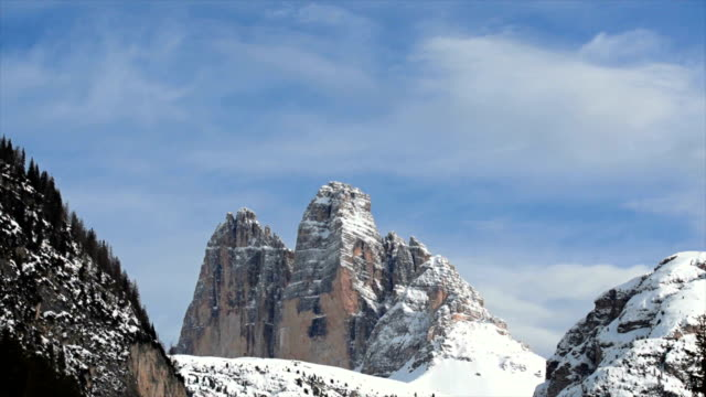 high mountain peaks in winter pan tl - tre cimo di lavaredo stock videos & royalty-free footage