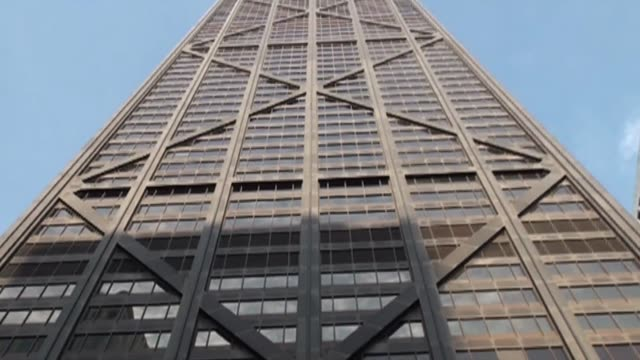 high rise in chicago - fensterfront stock-videos und b-roll-filmmaterial