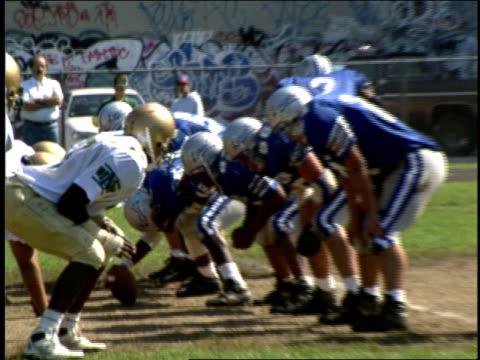 high school football game in brooklyn - チアリーダー点の映像素材/bロール