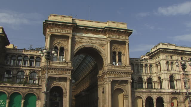 ms, high section of milan cathedral (duomo di milano) and galleria vittorio emanuele ii, milan, lombardy, italy - galleria vittorio emanuele ii stock videos and b-roll footage