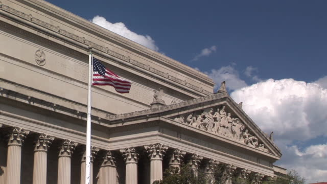 stockvideo's en b-roll-footage met ms, high section of national archives building, washington dc, washington, usa - national archives washington dc