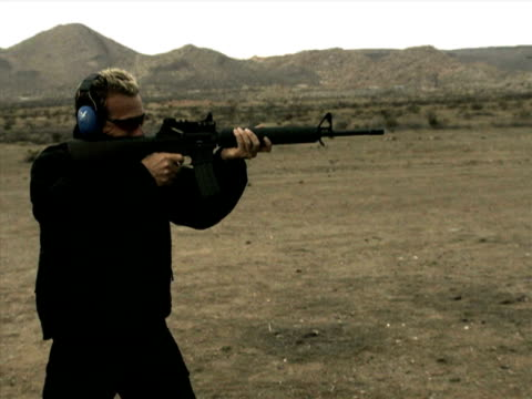 high speed camera - m16 rifle pt. ii - m16 stock videos & royalty-free footage