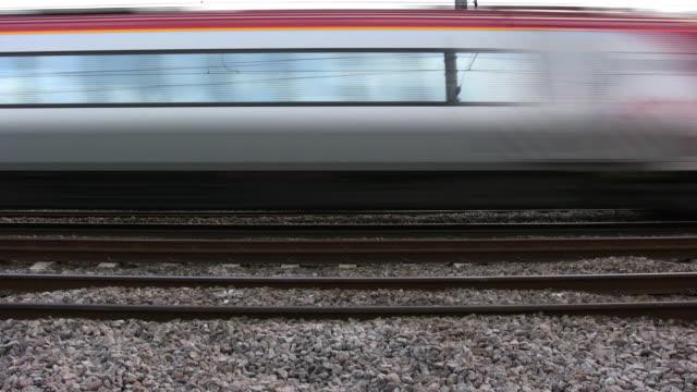 vídeos y material grabado en eventos de stock de tren suburbano de alta velocidad, televisor de alta definición de 1080 pal - tren de cercanías