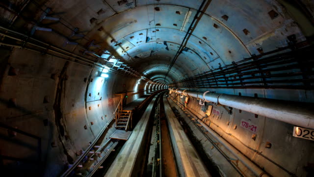 stockvideo's en b-roll-footage met t/l a high speed ride through a subway tunnel - tunnel