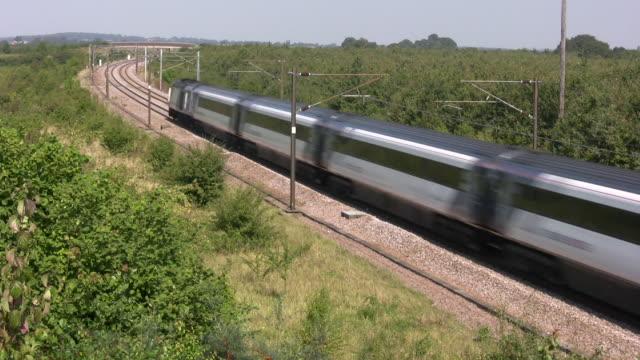 vidéos et rushes de train à grande vitesse - voie publique