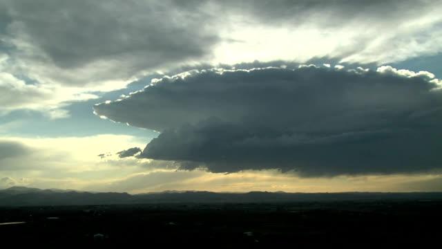 high-based thunderstorm - cumulonimbus stock videos & royalty-free footage