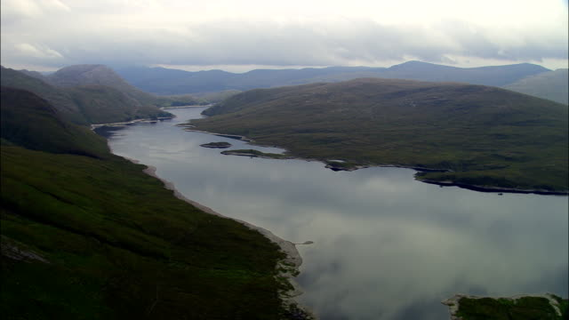 highlands around loch monar  - aerial view - scotland, highland, united kingdom - scotland stock videos & royalty-free footage