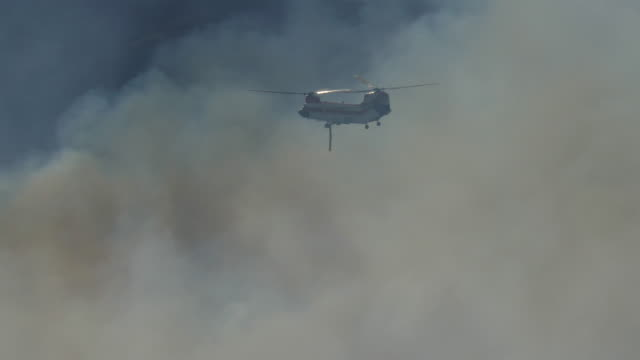 highlands ranch colorado chatridge fire wildfire smoke chinook firefighting helicopter - firefighter stock videos and b-roll footage