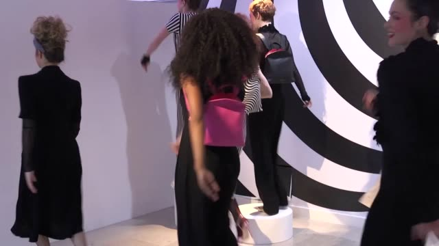 a highlight reel showcasing the standout fashion trends from london fashion week february 2018 features designs from bora aksu mulberry lulu guinness... - london fashion week stock videos and b-roll footage