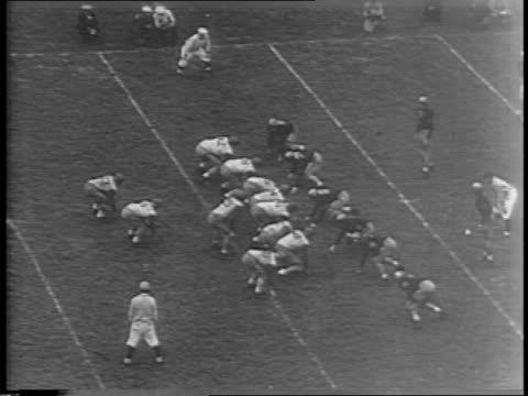 vídeos de stock e filmes b-roll de highlights of the army vs pennsylvania state university football game / crowd in stadium / penn state touchdown in second quarter / army touchdown in... - terceiro quarto de tempo
