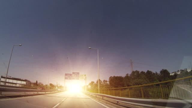 vídeos y material grabado en eventos de stock de la carretera para llegar en automóvil - carretera principal