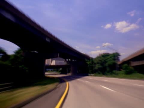 vidéos et rushes de highway entering memphis - menphis