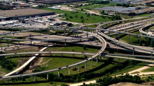 highway interchange south of ft. worth, texas. shot in 2007. - artbeats video stock e b–roll