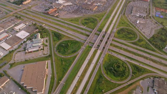 stockvideo's en b-roll-footage met aerial highway viaduct op de autoroute 440 in laval, canada - montréal