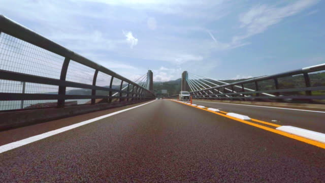 vídeos y material grabado en eventos de stock de la autopista de peaje pasando 4 k - lanzar término deportivo