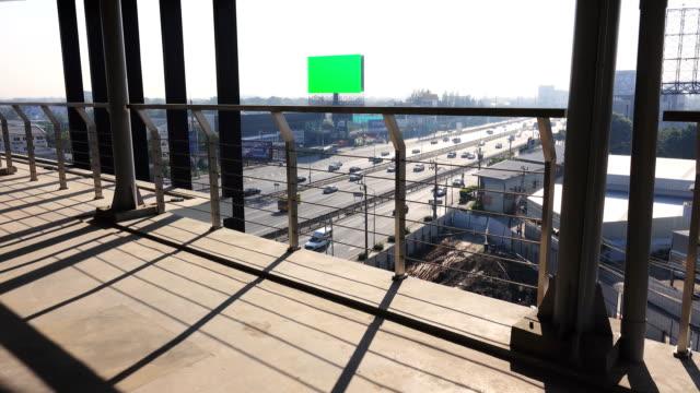 4k: autobahn-verkehr in bangkok, thailand. - auffahrt stock-videos und b-roll-filmmaterial