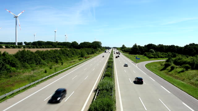 Highway traffic in Germany + wind energy