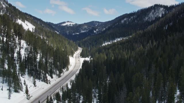Highway Winding Through Teton Pass, Wyoming - Luftblick
