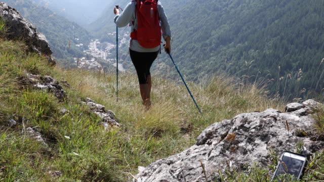 Hiker forgets smart phone in grasses, walks off