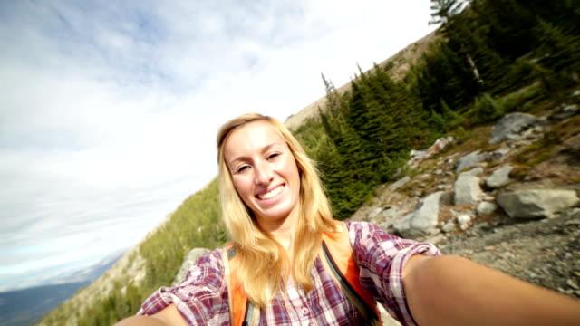 selfie von Schülern in Outdoor portrait auf mountain trail