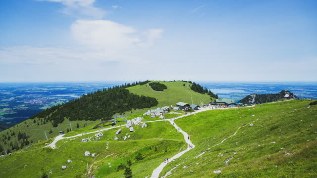 t/l hikers at mount kampenwand enjoying the nice weather in summer - horizon stock-videos und b-roll-filmmaterial