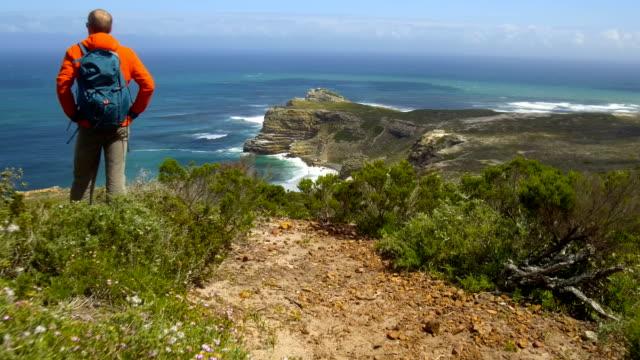 見事なケープタウン ケープタウン、南アフリカ共和国の近くでハイキング - ケープ半島点の映像素材/bロール