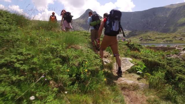 Excursionismo en la montaña