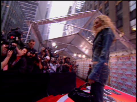 hilarie burton is attending the 2002 mtv video music awards red carpet. - 2002 stock videos & royalty-free footage