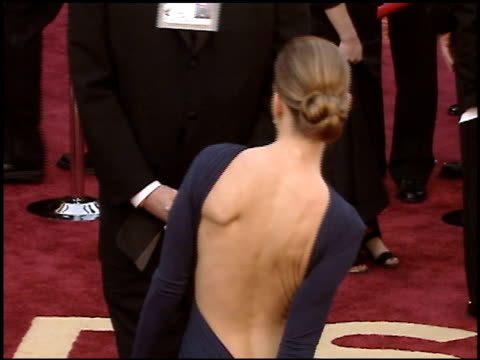 hilary swank at the 2005 academy awards at the kodak theatre in hollywood, california on february 27, 2005. - academy awards video stock e b–roll