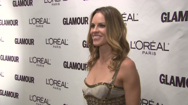 hilary swank at the glamour magazine honors the 2010 women of the year red carpet at new york ny - hilary swank stock videos & royalty-free footage