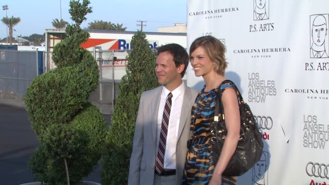 hilary swank at the opening night preview for the la antiques show benefitting ps arts at santa monica ca - hilary swank stock videos & royalty-free footage