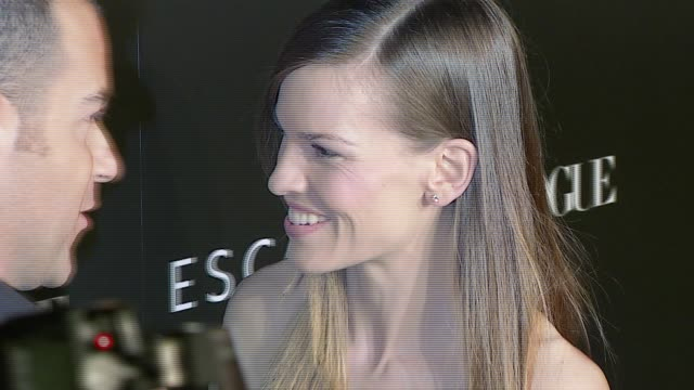 hilary swank at the the grand opening of the beverly hills flagship boutique celebrated by escada, hilary swank and vogue at escada in beverly hills,... - escada stock-videos und b-roll-filmmaterial