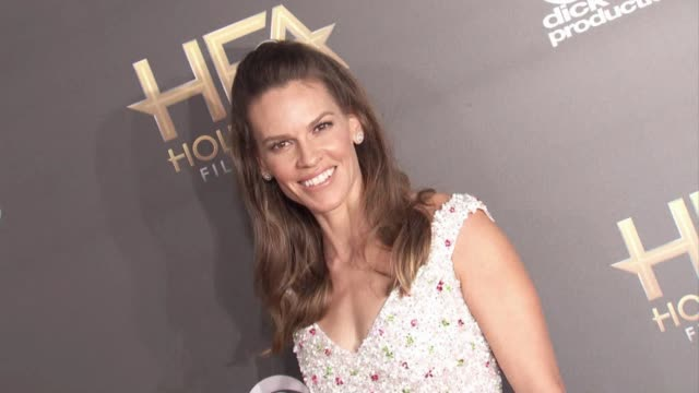 hilary swank chris rock at the 2014 hollywood film awards in los angeles ca - hilary swank video stock e b–roll