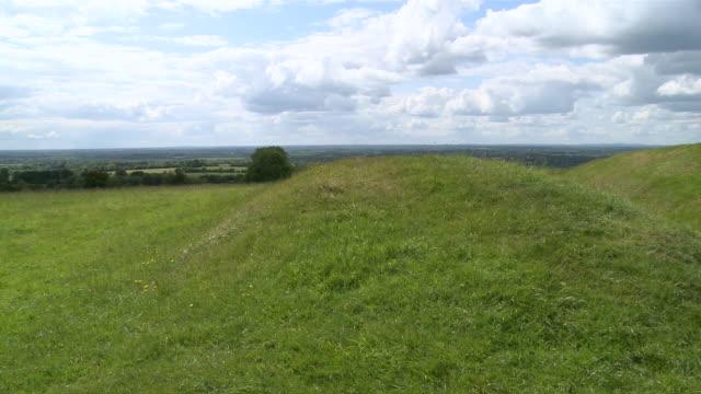 ws pan hill of tara / navan, county meath, ireland - hill stock videos & royalty-free footage