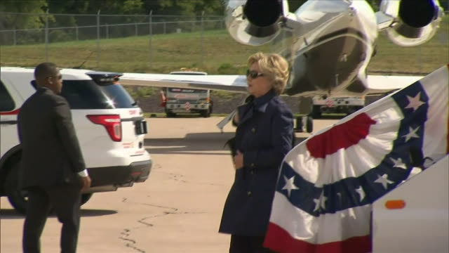 Hillary Clinton arriving in St Louis before the second Presidential debate