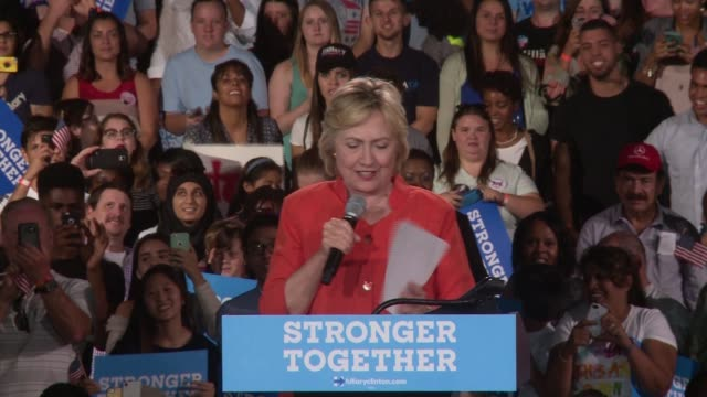 stockvideo's en b-roll-footage met hillary clinton holds a campaign rally in kissimmee florida. seddique mateen, the father of omar mateen, the man who killed 49 at the pulse nightclub... - verkiezing