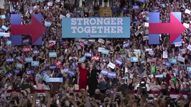 stockvideo's en b-roll-footage met hillary clinton holds a rally in michigan the final day of campaigning before the presidential election - presidentsverkiezing
