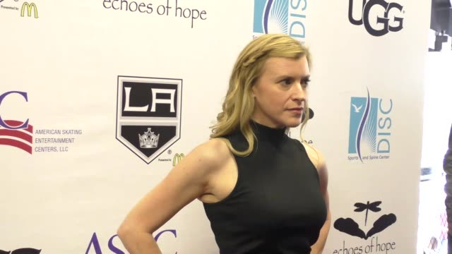 vídeos y material grabado en eventos de stock de hillary hickam at the luc robitaille celebrity shootout at toyota sports center in el segundo in celebrity sightings in los angeles - toyota sports center
